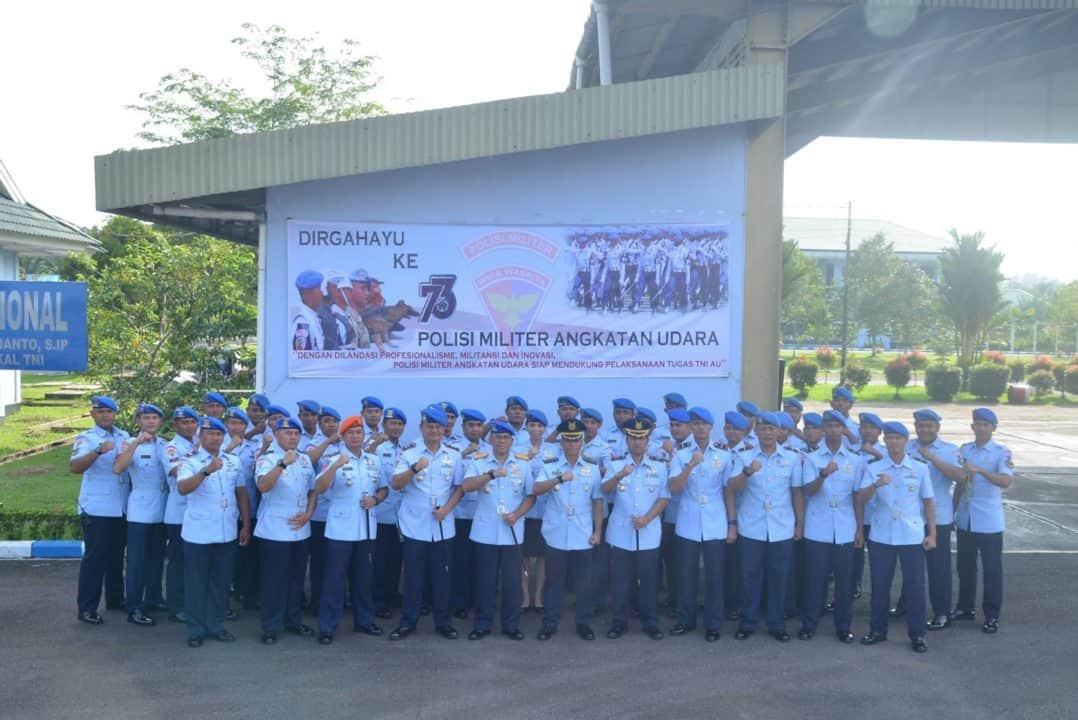 Upacara Militer Peringatan Ke-73 POMAU di Lanud Supadio