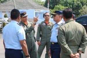 Dankodiklatau Tinjau Latihan Jupiter Aerobatik Team di Lanud Adisutjipto