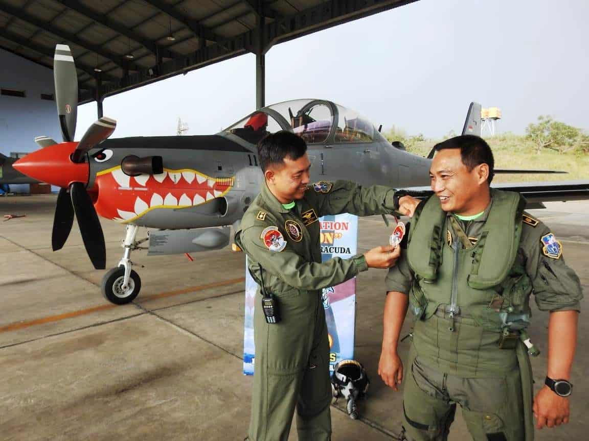 Mayor Pnb Sandra Raih Seribu Jam Terbang Pesawat EMB 314 Super Tucano