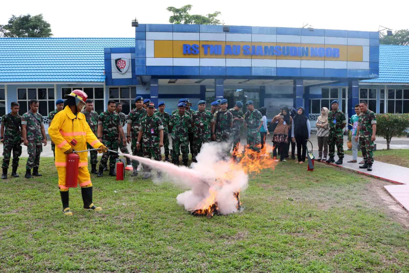 Sosialisasi Bahaya Kebakaran di Rumkit Sjamsudin Noor