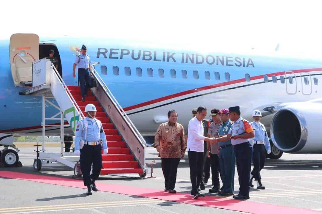 Danlanud BNY Menyambut Kedatangan Presiden RI di Bandara Radin Inten