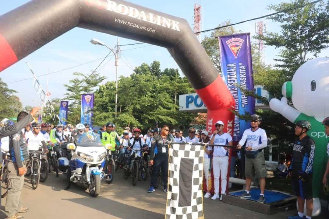 Ribuan Peserta Gowes Meriahkan HUT ke-73 Pomau di Lanud Atang Sendjaja