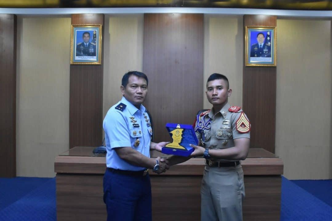 Kepala Staf Koopsau II Menerima Kunjungan Taruna dan Taruni Akademi Angkatan Laut (AAL)