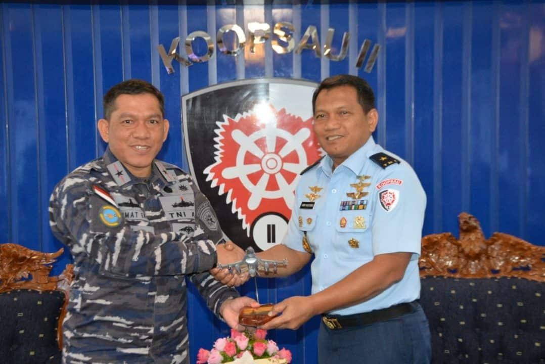 Kepala Staf Koopsau II Menerima Kunjungan Komandan Guspurla Koarmada II