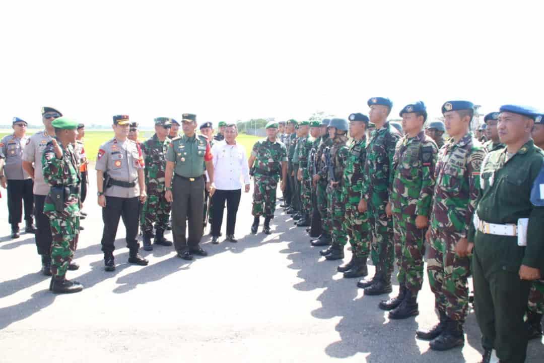Sebanyak 2000 Personel TNI/Polri Mengikuti Apel Gelar Pasukan Di Lanud Haluoelo