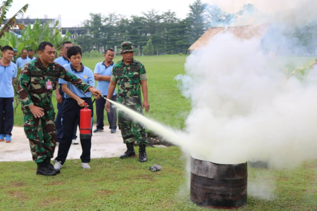 Simulasi Latihan Penanggulangan Bahaya Kebakaran DI Kosekhanudnas III