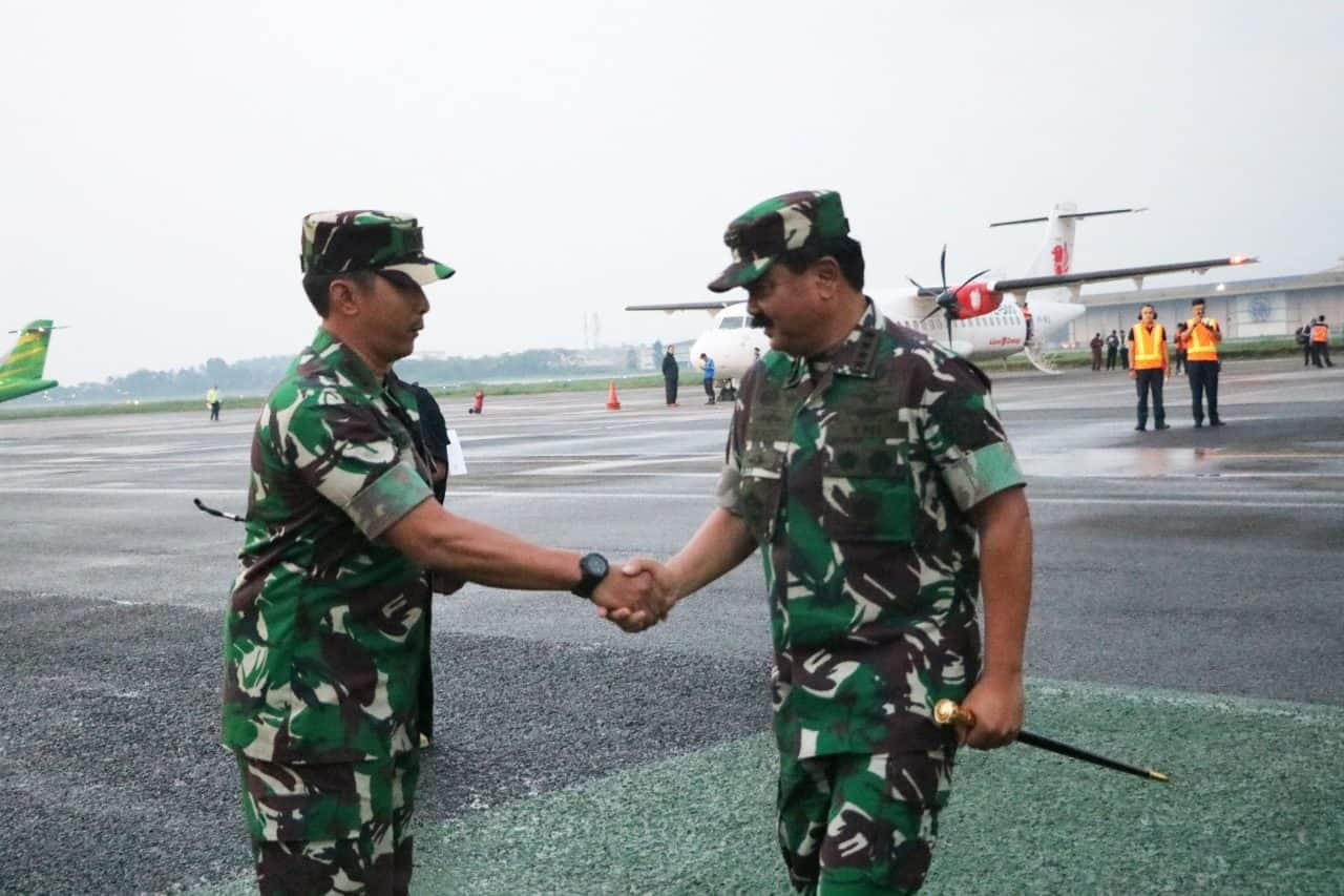 Danlanud Husein Sastranegara Sambut Kedatangan Panglima TNI