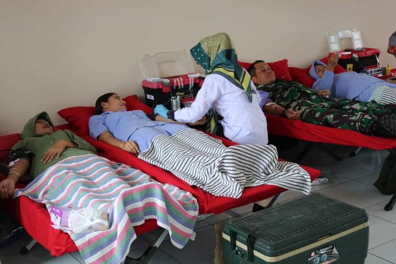 Donor Darah di Lanud Sugiri Sukani dalam Rangka HUT PIA AG ke-63