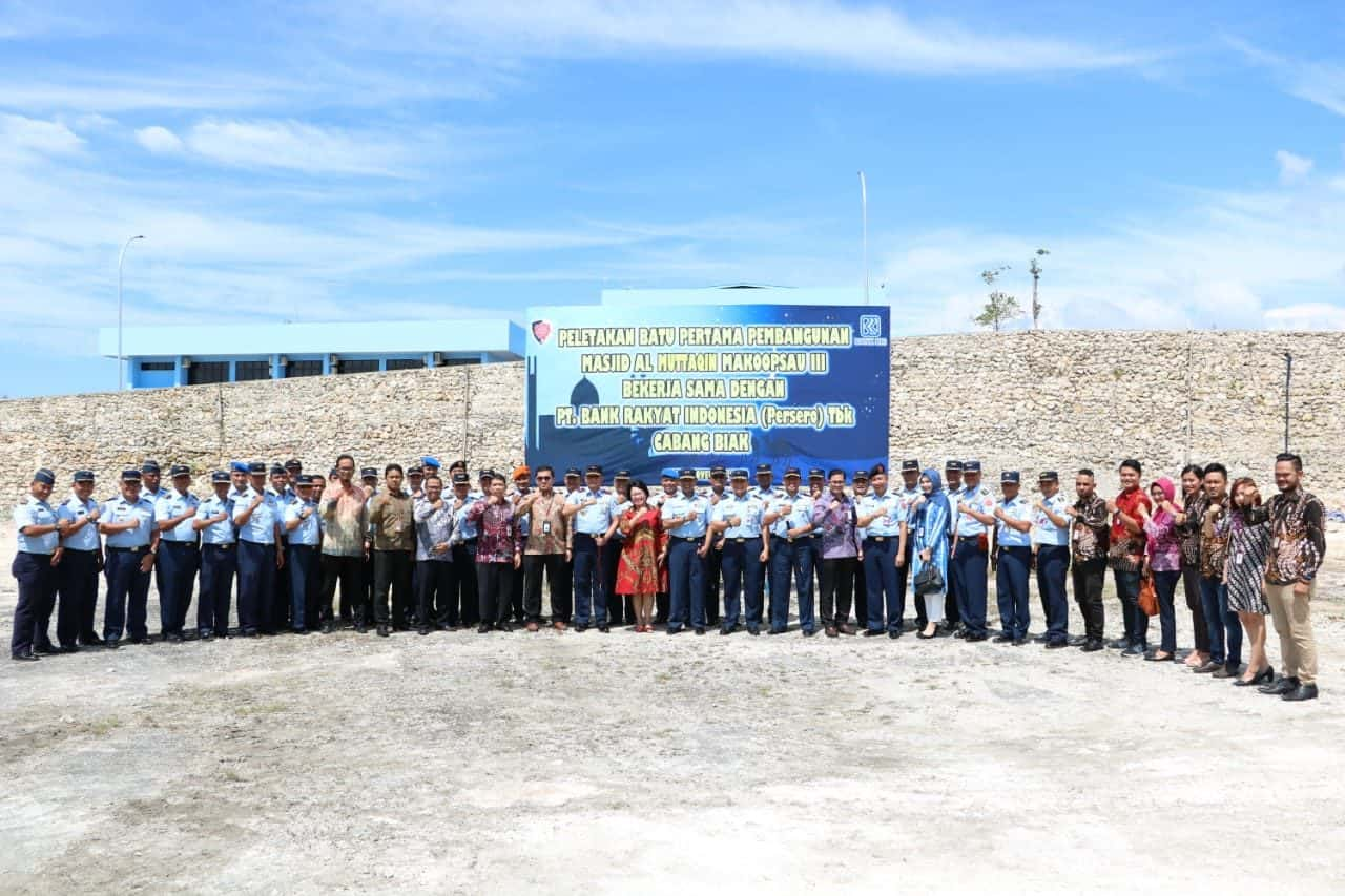 Pangkoopsau III Letakan Batu Pertama Pembangunan Masjid Al Muttaqin Makoopsau III.