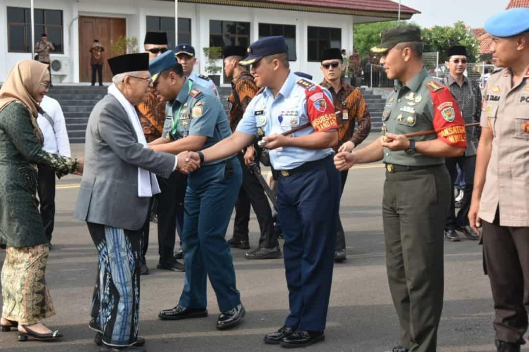 Penyambutan Kedatangan Wakil Presiden Prof. DR. K.H. Ma'ruf Amin dan Rombongan di Bandara Cakrabhuwana