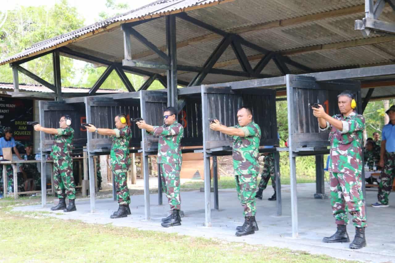 Minggu Militer, Personel Koopsau III Latihan Menembak