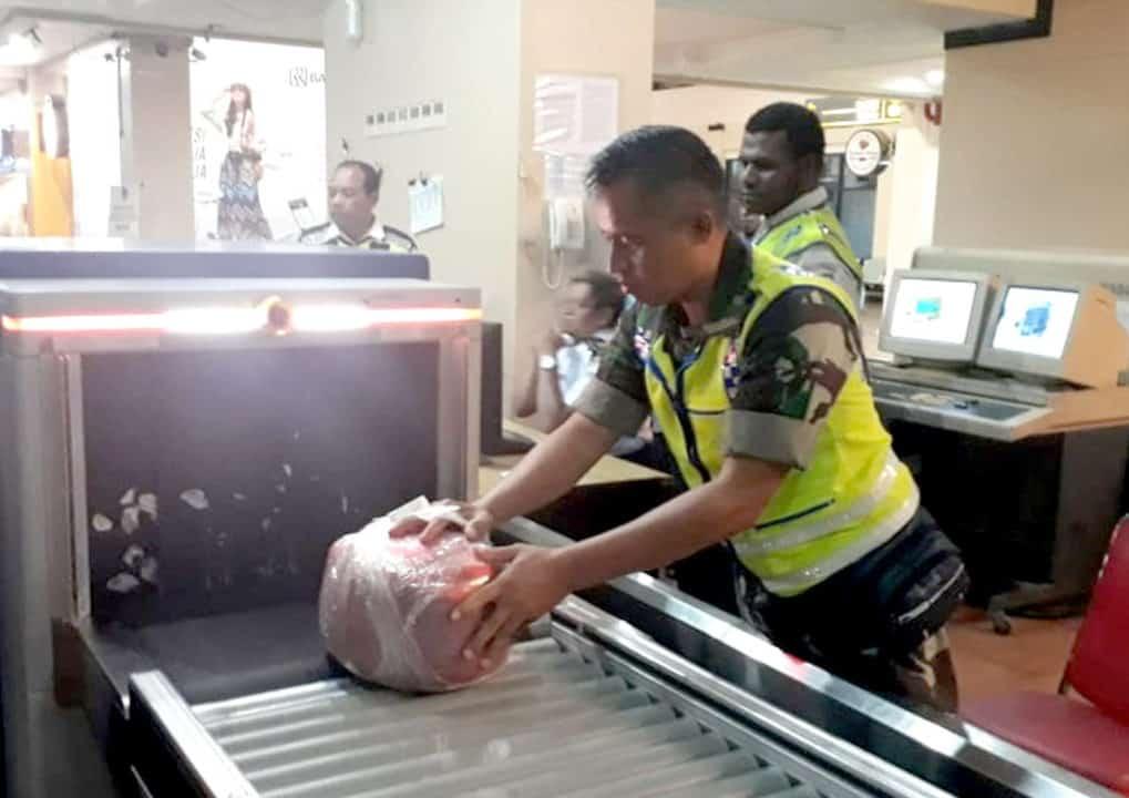 Satgas Pamrahwan Yonko 462 Paskhas Gagalkan Penyelundupan Ganja