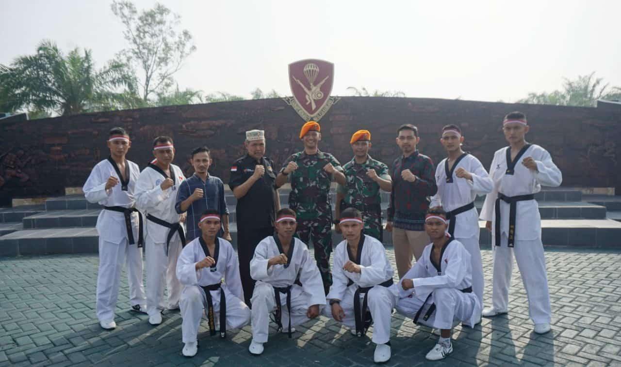 Yonko 462 Paskhas Lepas Keberangkatan Tim Taekwondo