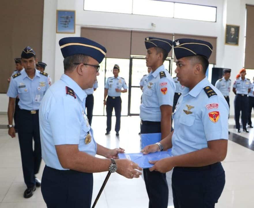 Komandan Lanud Supadio Tutup Dan Buka Pendidikan Transisi