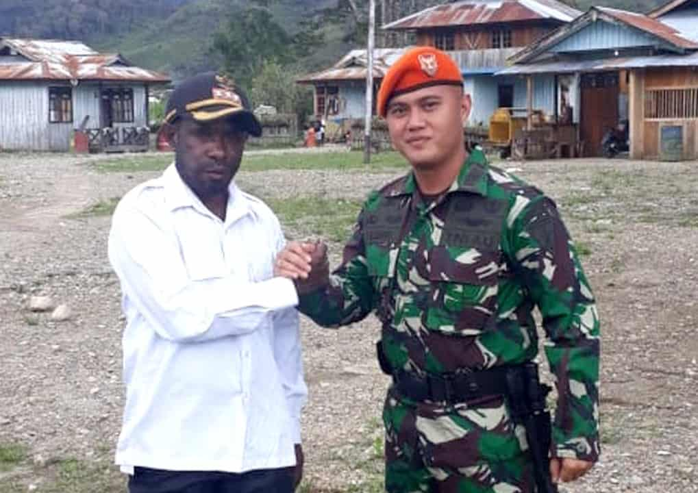 Satgas Pamrahwan Yonko 462 Paskhas LaksanakanAnjangsana keDistrik Kolomdol