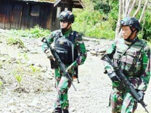 Dansatgas Pamrahwan Yonko 462 Paskhas Memimpin Patroli Dan Bhakti Sosial Di Pos Bandara Mulia