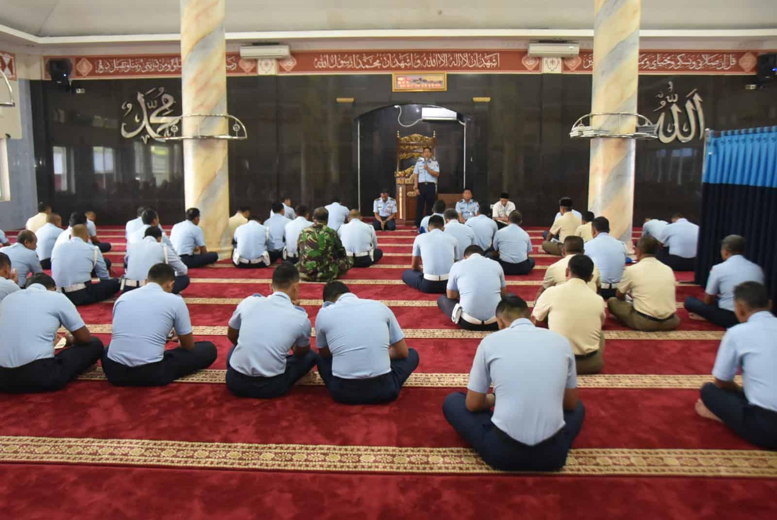 Doa Bersama Menyambut Tahun Baru 2020 di Lanud Husein S.