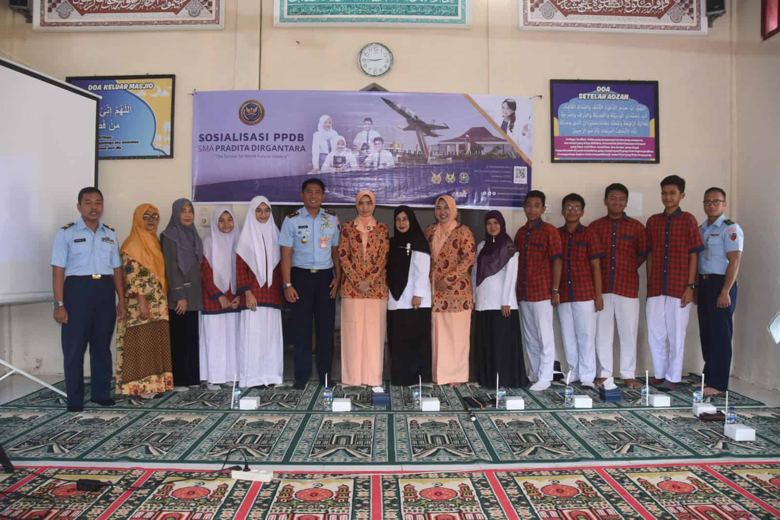 Komandan Lanud Maimun Saleh Ikut Serta Sosialisasikan Penerimaan SMA Pradita Dirgantara di Pulau Terluar Barat NKRI