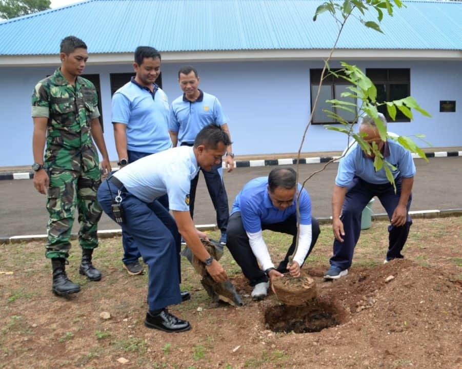 Peduli Lingkungan, Pangkosekhanudnas I Tanam Pohon