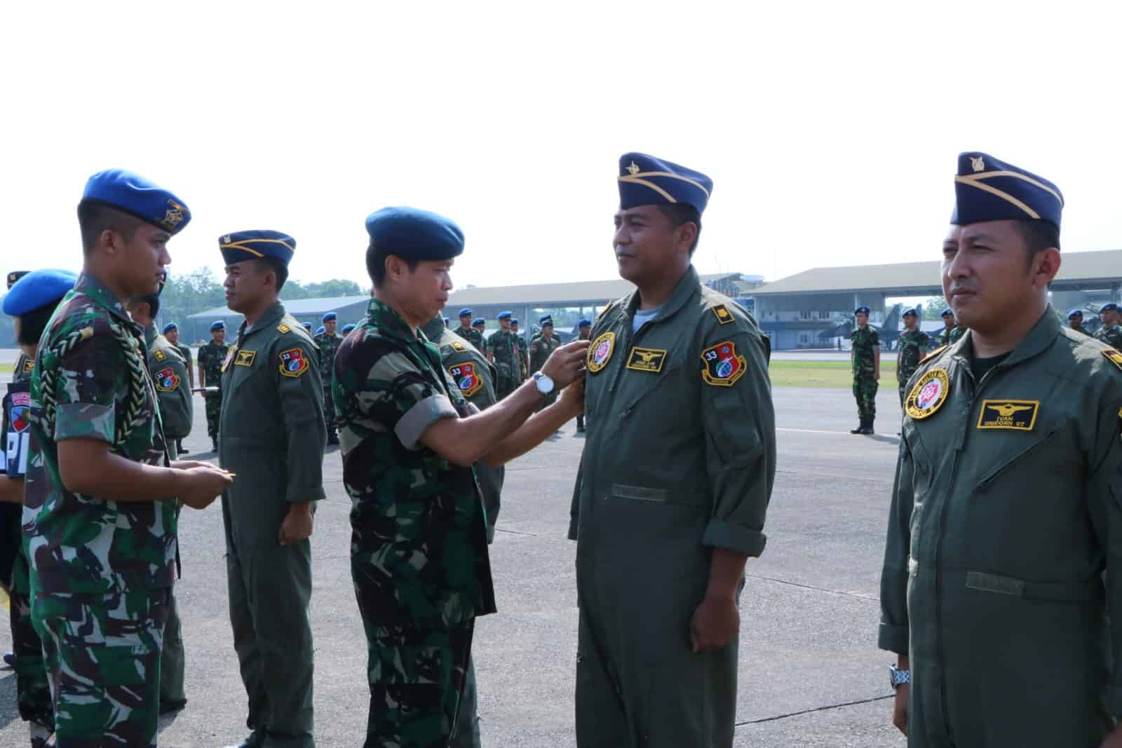 PENYEMATAN UNICORN NUMBER PENERBANG SKADRON UDARA 33
