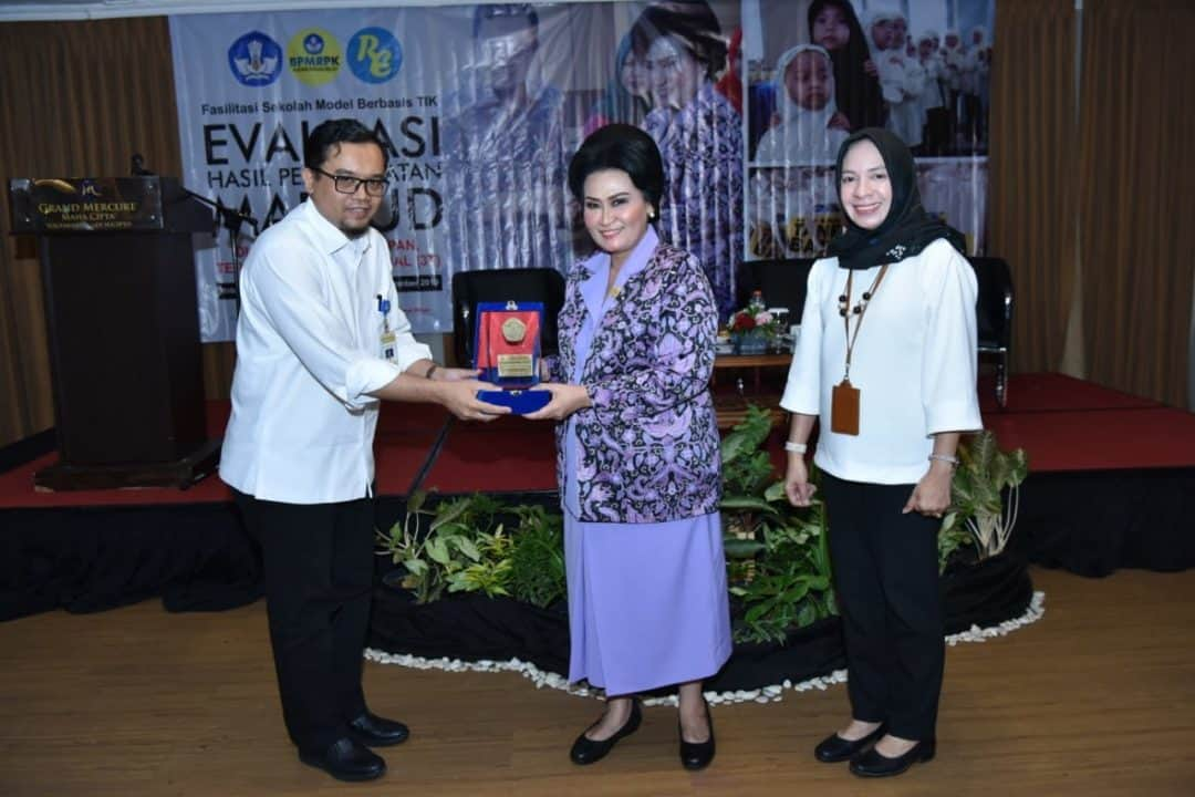 Ketua Umum Yasarini Ibu Nanny Hadi Tjahjanto menjadi Narasumber Evaluasi Hasil MAPAUD di Yogyakarta