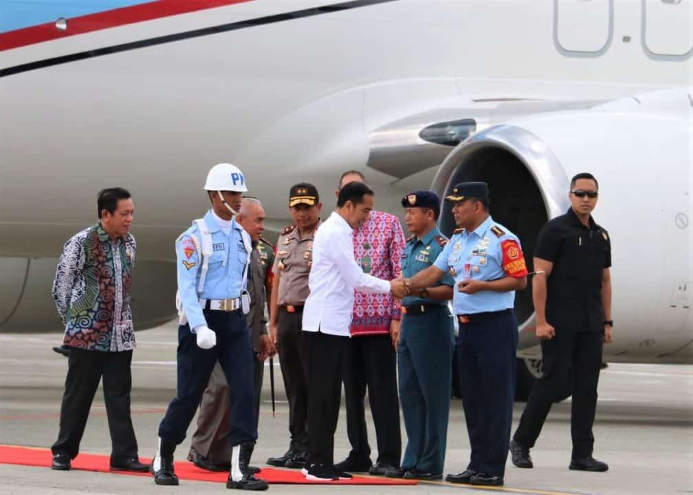 Komandan Lanud Dhomber Sambut Kedatangan Presiden RI di Balikpapan