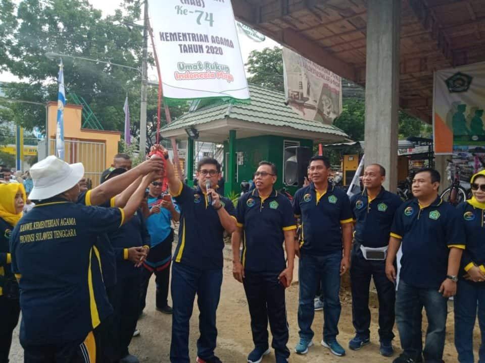 Danlanud Haluoleo Hadiri Jalan Sehat Kerukunan Umat Beragama Sultra.