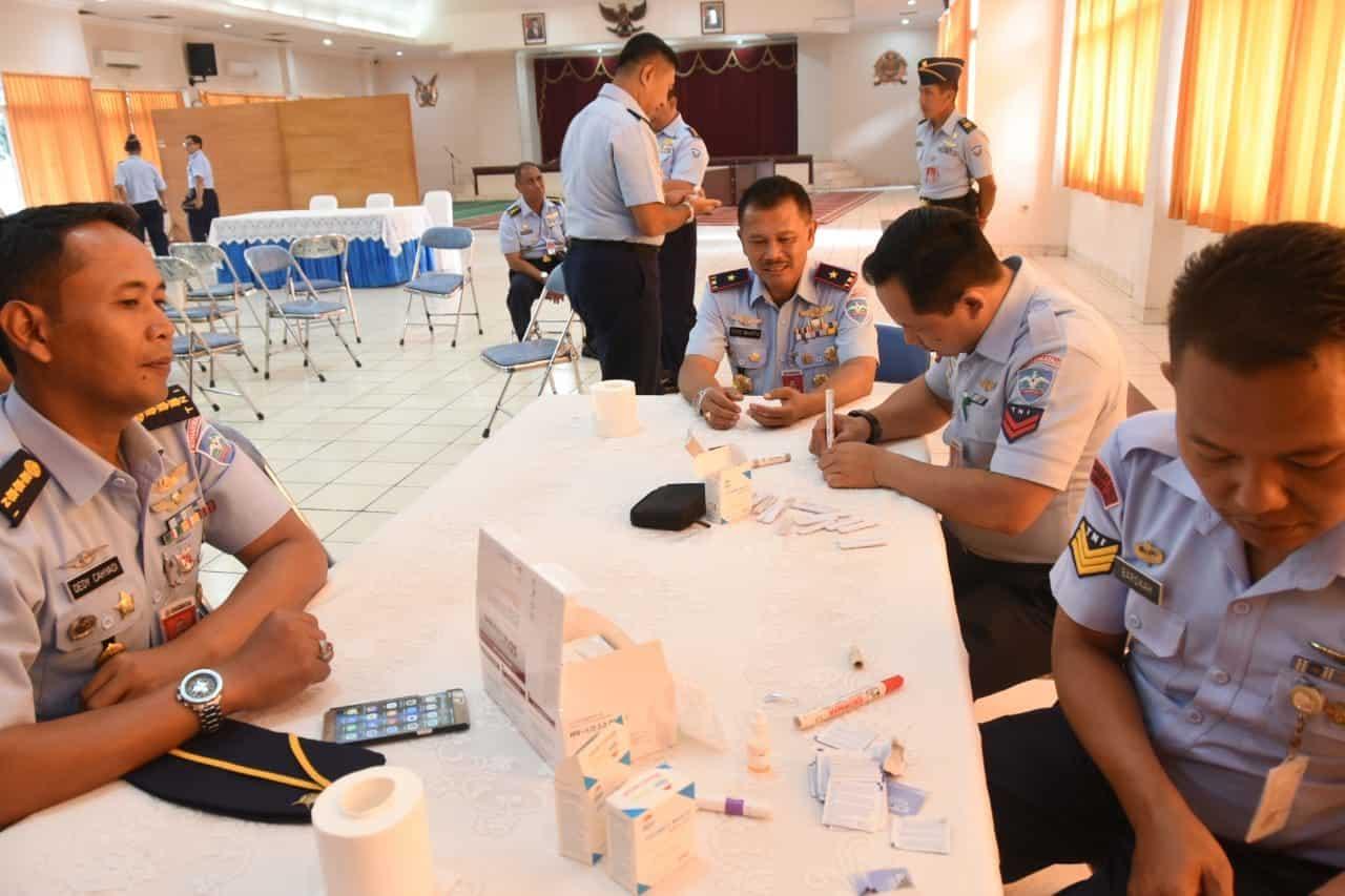 Pengambilan Sampel Darah Deteksi Dini HIV.