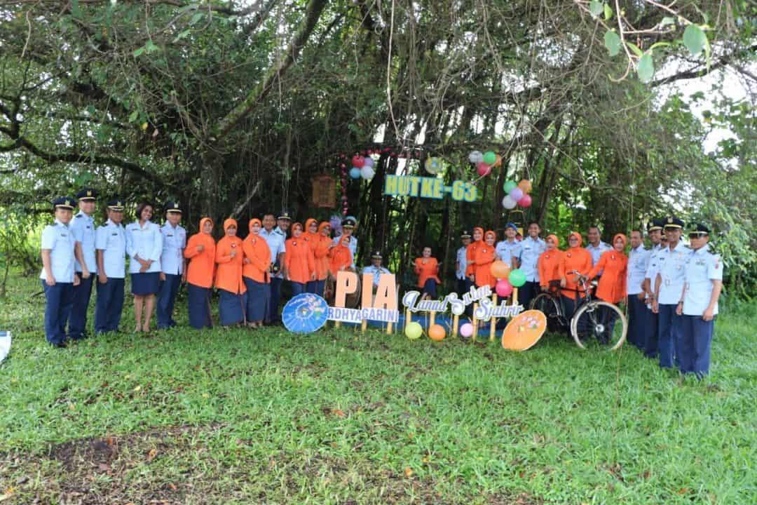Suasana Kekeluargaan Kelihatan Begitu Kental Pada Acara Peringatan HUT Ke-63 PIA Ardhya Garini Tahun 2019 Di Lanud Sutan Sjahrir Padang