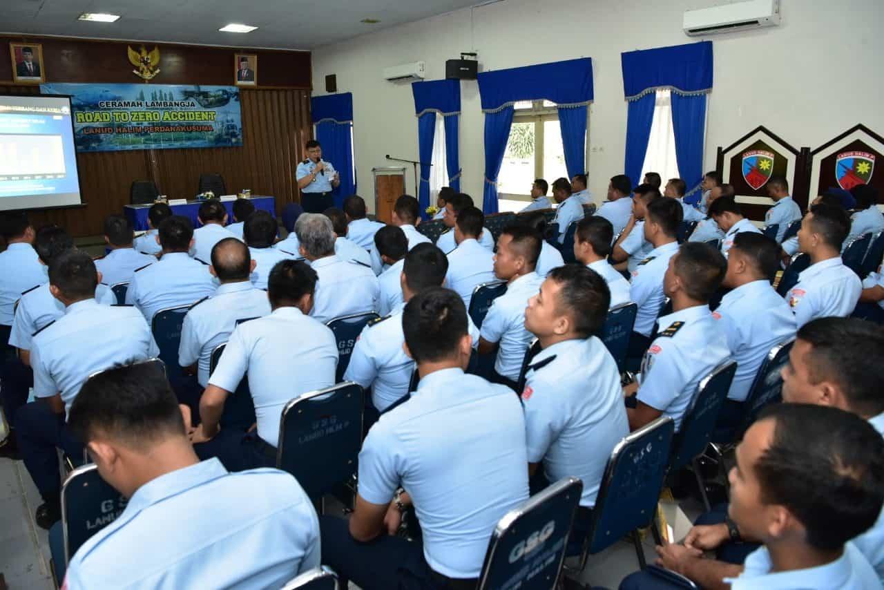 Anggota Lanud Halim Perdanakusuma Ikuti Ceramah Road To Zero Accident dari Dislambangjaau