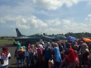 Ratusan Murid TK Geruduk museum pesawat, Mahasiswa STTA Kunjungi Skatek 042