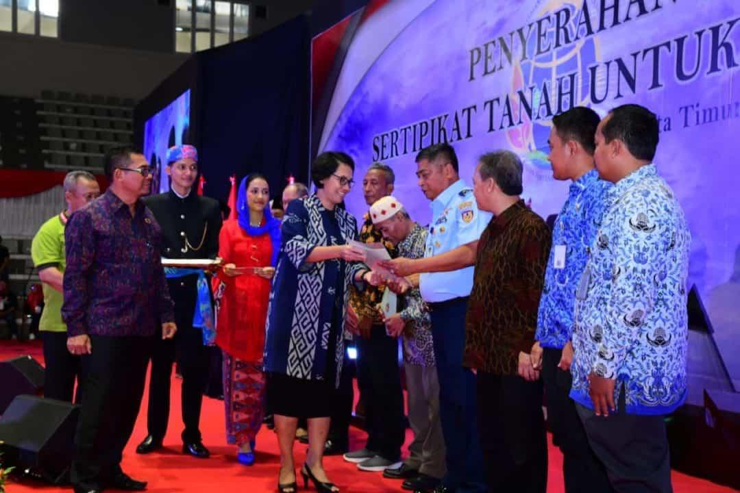 TNI AU Terima Sertipikat Hak Pakai Tanah Halim Perdanakusuma.