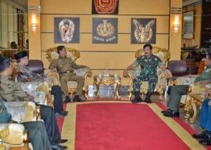 Danlanud RHF Dampingi Gubernur Kepri Courtessy Call dengan Panglima TNI