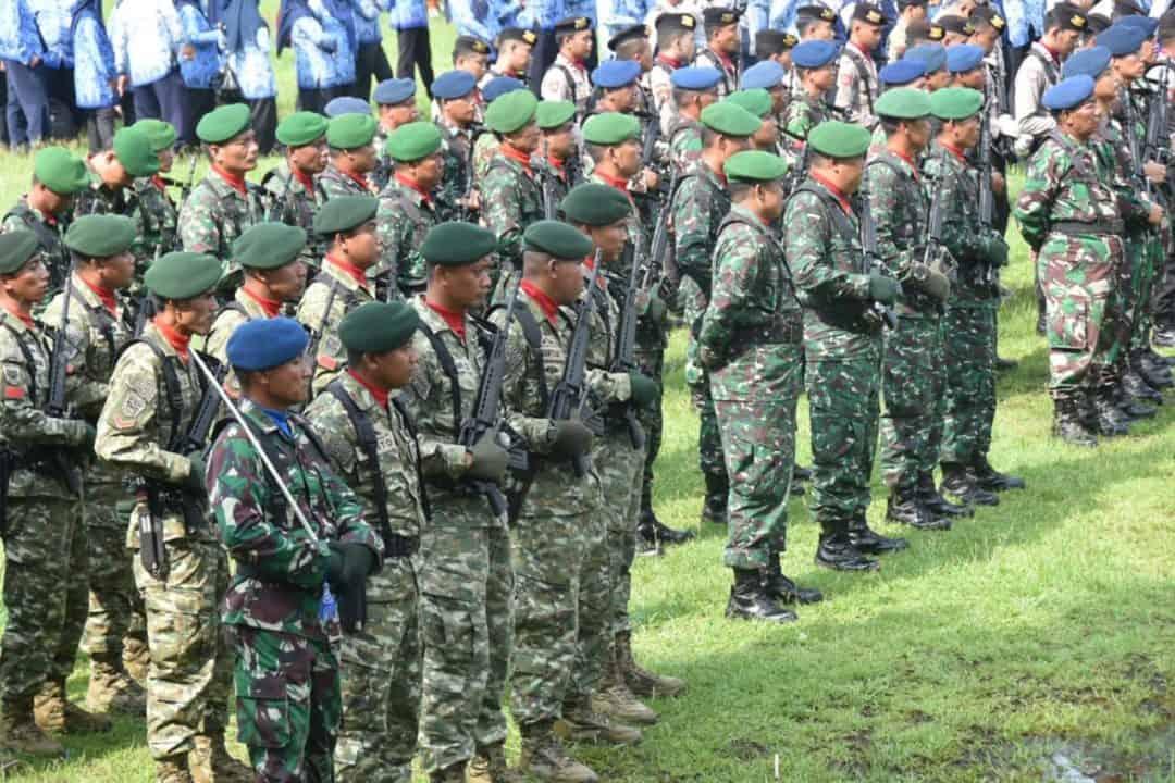 Komandan Lanud Sugiri Sukani Mengikuti Upacara Hari Bela Negara ke-71 di Lapangan Gelanggang Generasi Muda, Kabupaten Majalengka