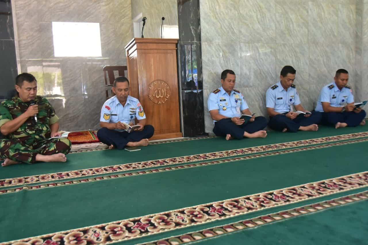 Doa Bersama Menyambut Datangnya Tahun Baru 2020 di Masjid As-Salam Lanud Sugiri Sukani