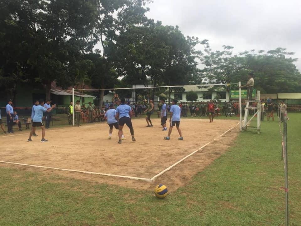 Lanud Sjamsudin Noor Ikuti Pertandingan Bola Volly Dalam Rangka HUT Rindam VI/Mulawarman ke-56