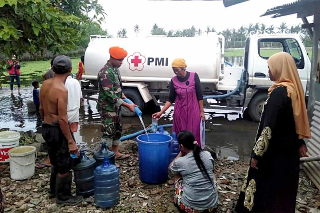 Prajurit Korpaskhas Tanggap Darurat Bencana Banjir