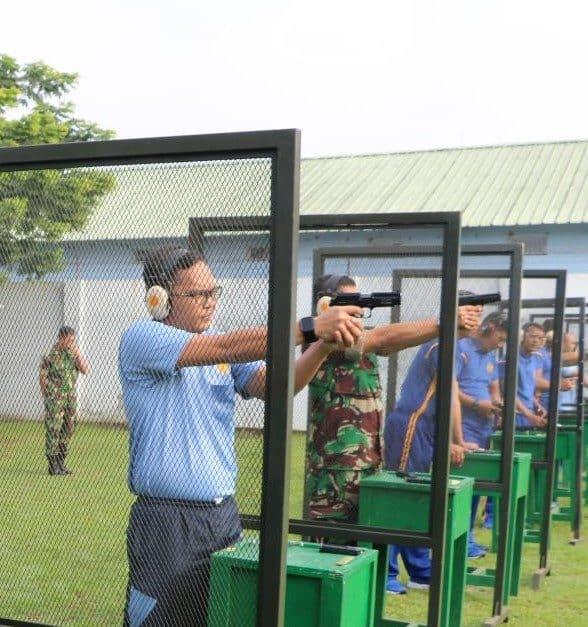 Tingkatkan Keterampilan Lanud Husein S. Latihan Menembak