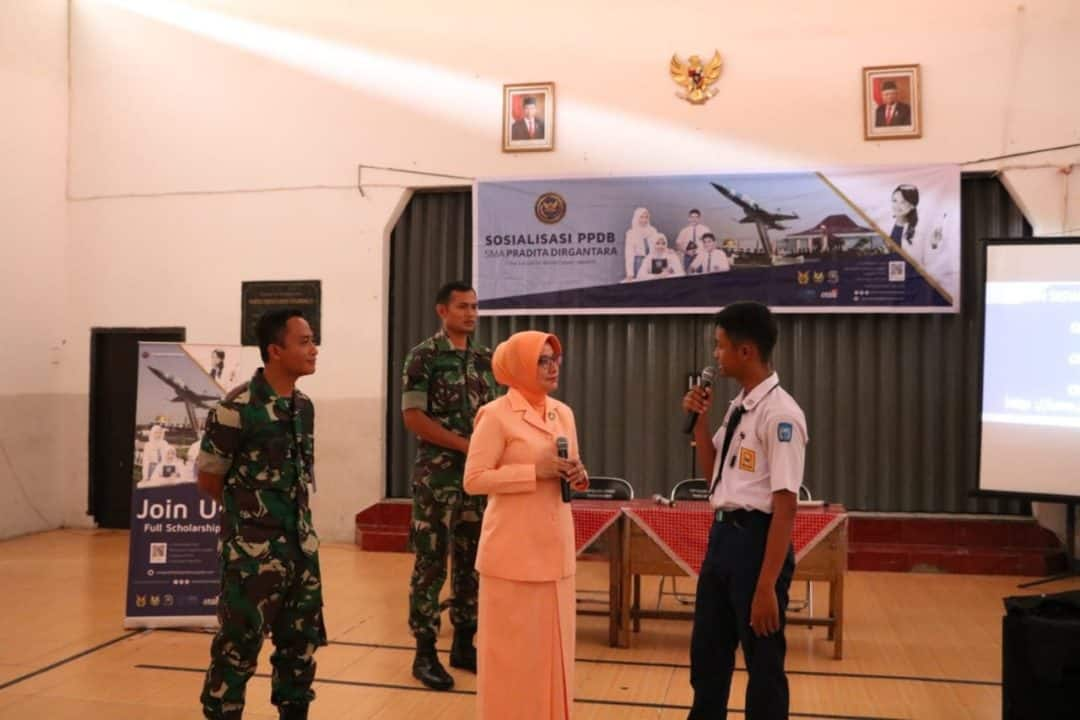 Sosialisasi SMA Pradita Dirgantara di SMPN 3 Cimahi