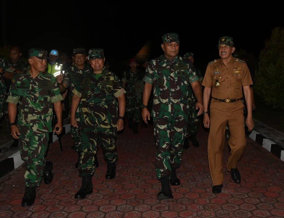 Danlanud Rsa Sambut Kuker Kasum TNI di Natuna
