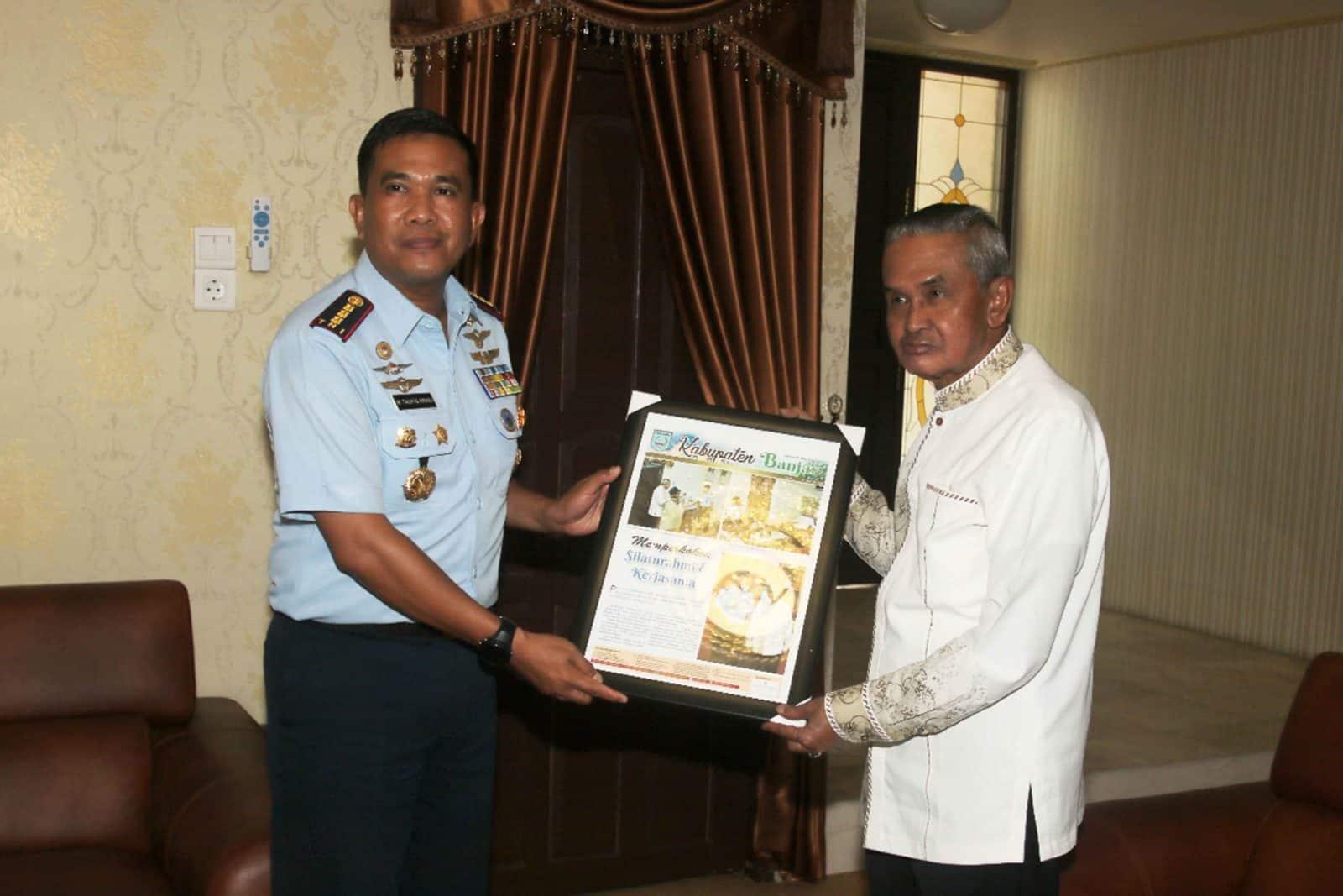 Eratkan Silaturahmi Komandan Lanud Sjamsudin Noor Kunjungi Bupati Banjar