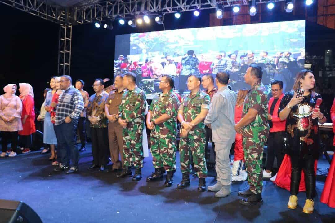 Lewati Malam Pergantian Tahun, Danlanud Pattimura Ikuti Monitoring Besama FKPD.
