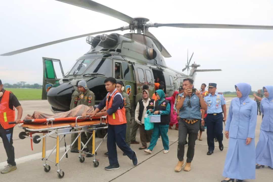 Evakuasi Pasien Ibu Hamil Dari Pengungsian Melahirkan di RSAU dr. M. Hassan Toto