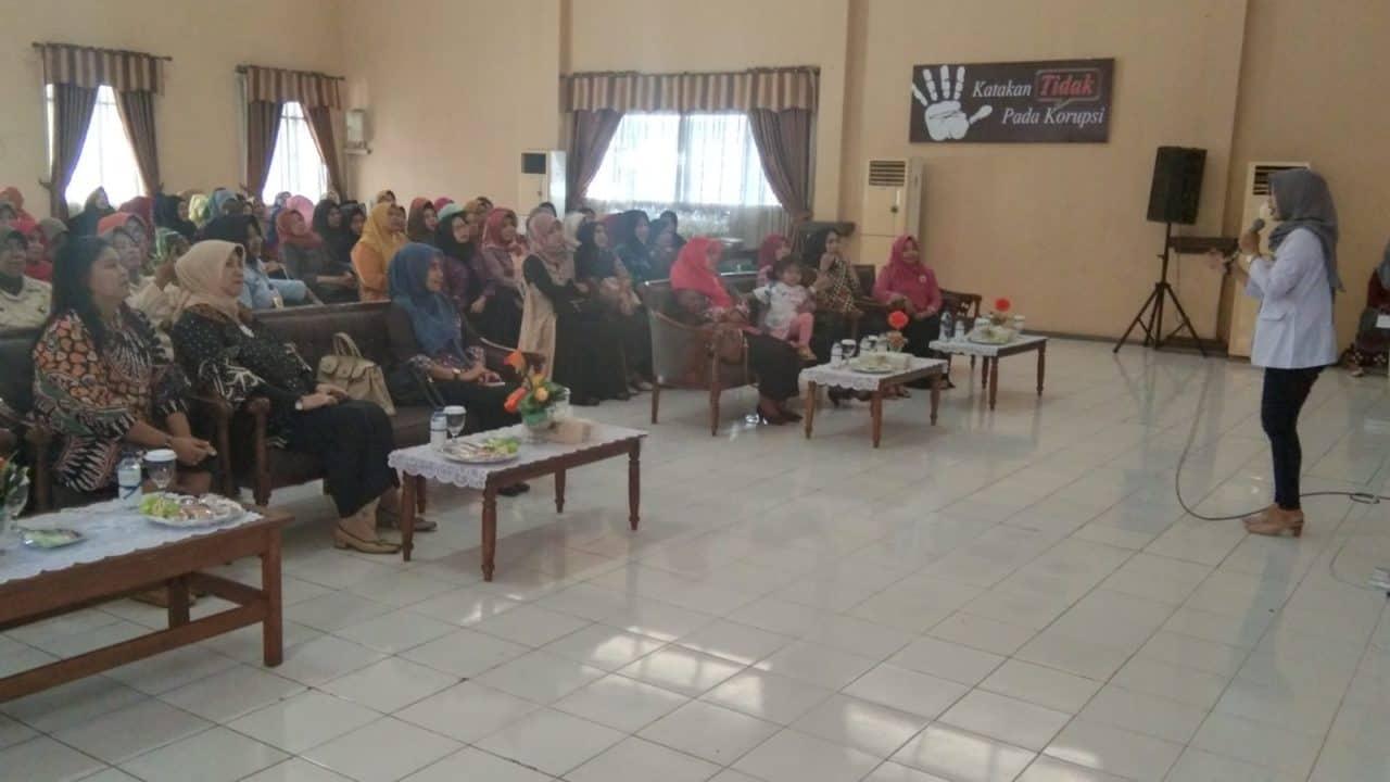 Arisan Rutin PIA Ardhya Garini Cabang 4 D/II Lanud Muljono Surabaya
