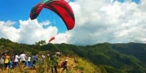 Olahraga Dirgantara Paralayang Warnai Festival Nusaniwe Ambon 2020