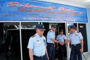 Pangkoopsau II Menerima Paparan Komando Danlanud Sam Ratulangi