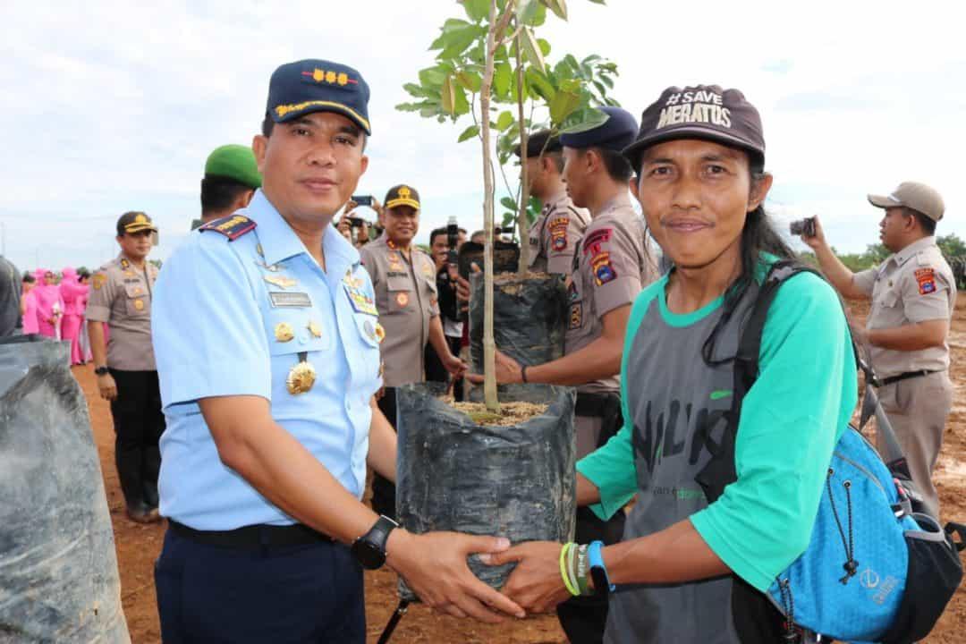 Lanud Sjamsudin Noor Ikuti Penanaman Pohon di Banjarbaru