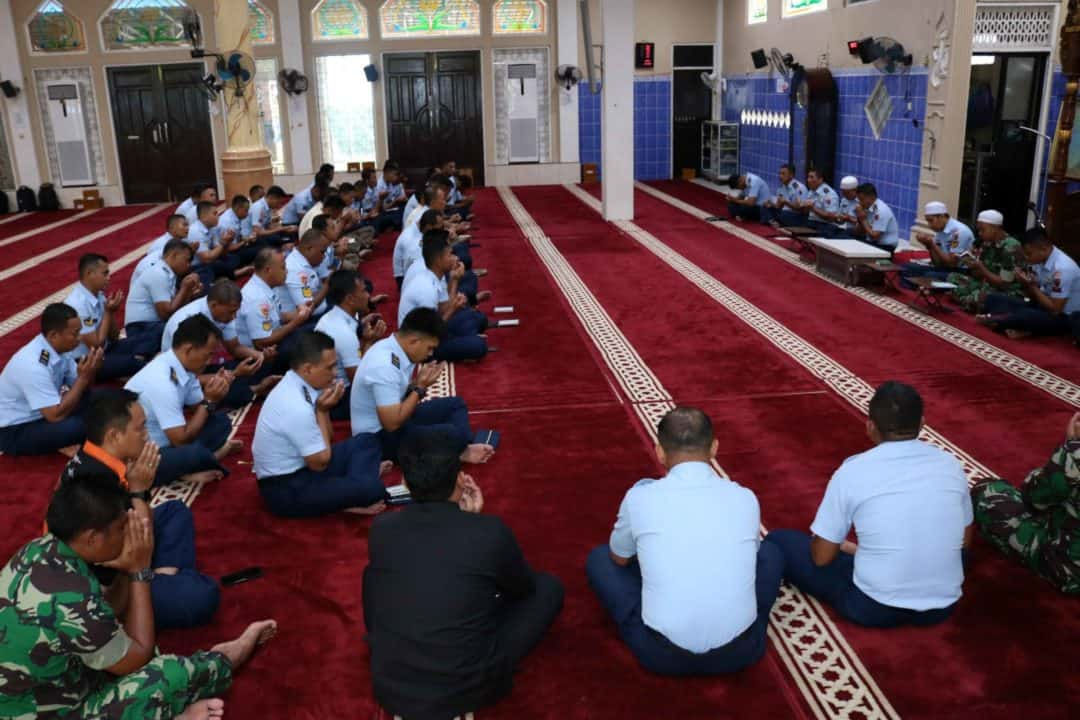 Meningkatkan Serta Menjaga Kadar Keimanan dan Ketakwaan Seluruh Anggota Lanud Sjamsudin Noor