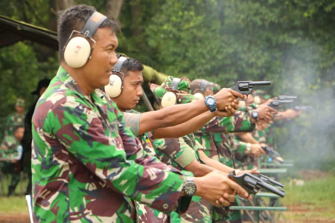 Personel Wingdikkal Laksanakan Latihan Menembak Triwulan IV