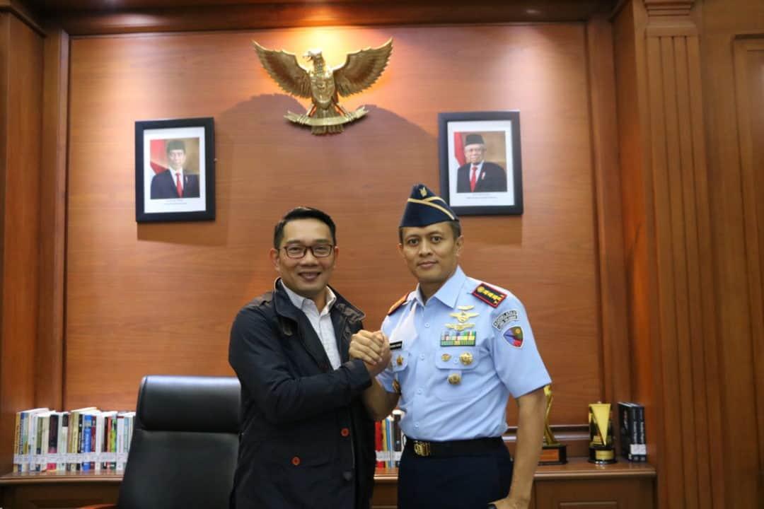 Jalin Silaturahmi, Danlanud Sulaiman Kunjungi Gubernur Jabar